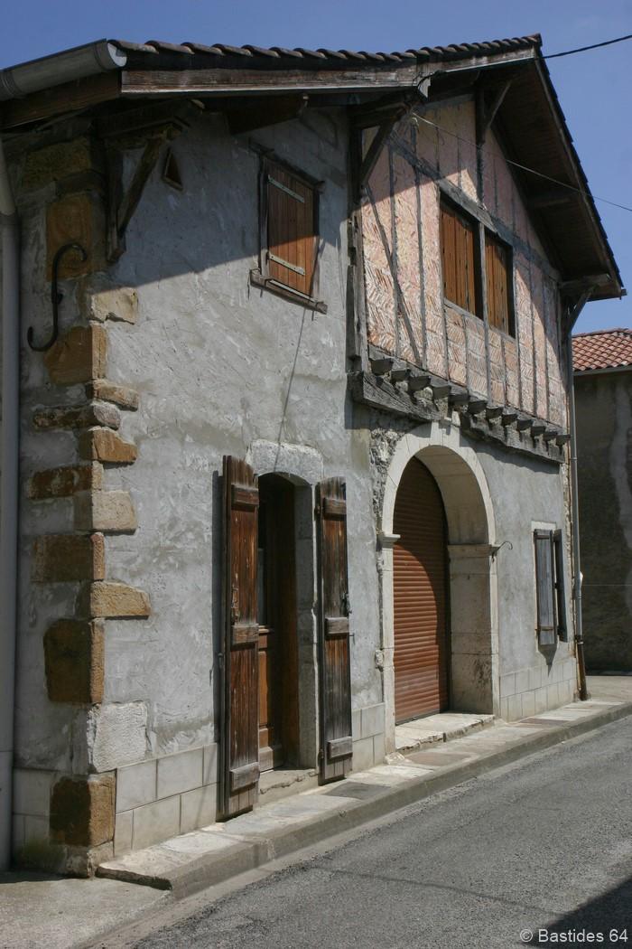 Labastide-Villefranche, maison à colombages
