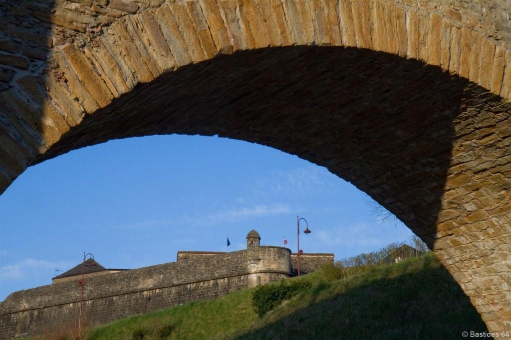 Navarrenx, le pont en pierre