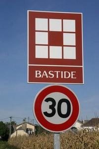 bastide-panneau