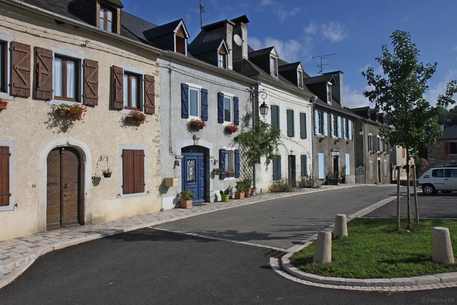 Rébénacq, place de la Bielle